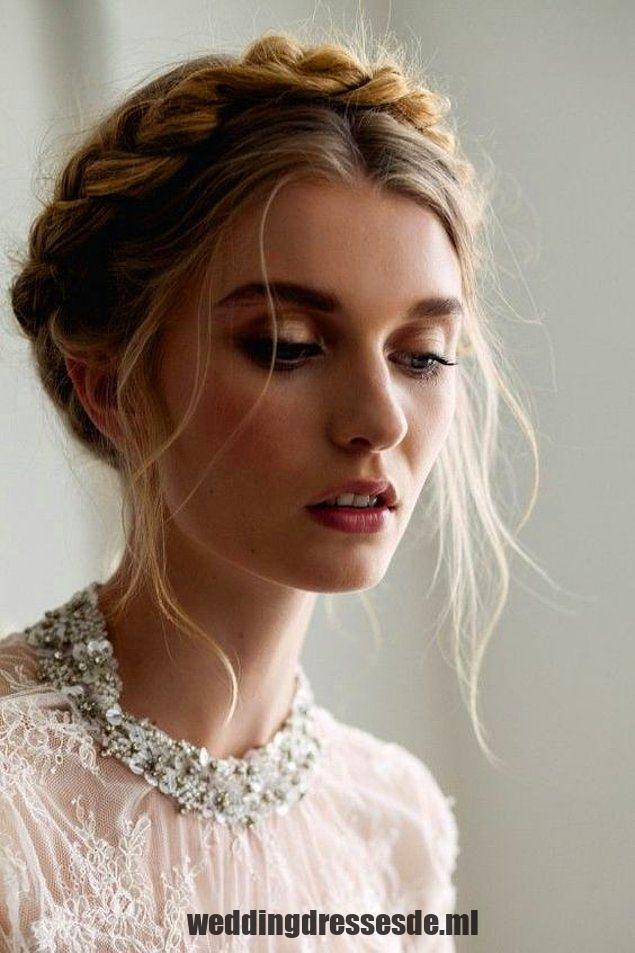 """Jedes Mal, wenn Sie diese Art von geflochtener Frisur sehen, ,  #diese #frisur #geflochtener #jedes #sehen #Wedding, Hochzeit 2019 """"schön"""" oder """"gut"""".   – Hochzeiten"""