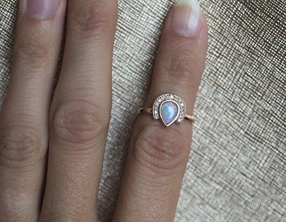 Anillo de compromiso de oro rosa anillo del ópalo de por MinimalVS