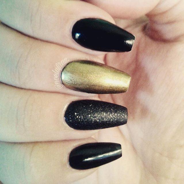 #nails #nailstagram #instanails #nails2inspire #sculptednails #acrylicnails #coffinnails #squareletto #polishnails #lovenails #glitternails #like4like #4like #follow #followme #uñas #uñasacrilicas #uñasesculpidas #noelialafrannails #nailaddict