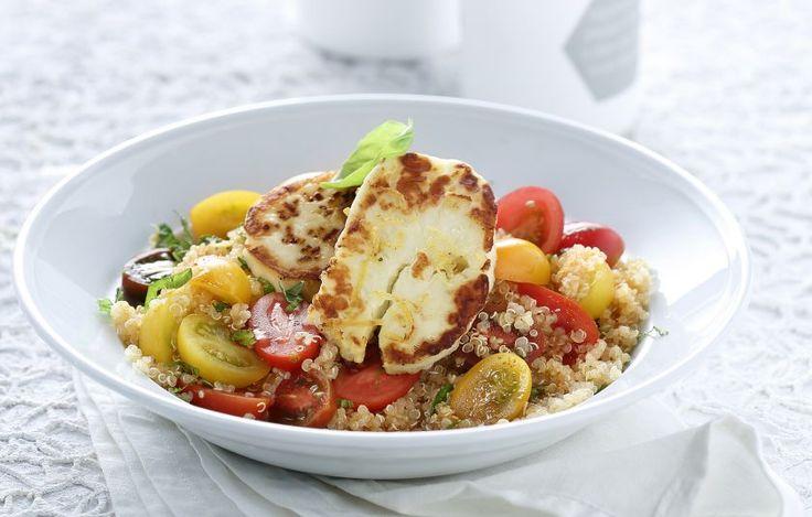 Σαλάτα με κινόα, χαλούμι και σάλτσα πάπρικας - Συνταγές - Light & Healthy   γαστρονόμος