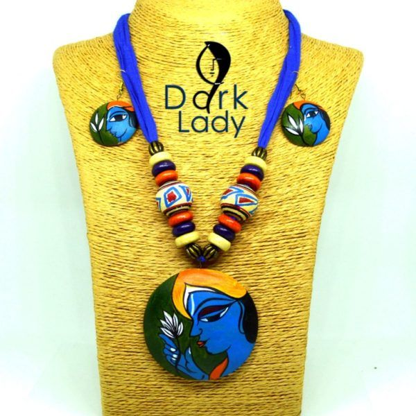 Beautiful Handmade Terracotta Jewelry.. suits for all occasions.. Get your ethnic and traditional Outlook. Our handmade terracotta jewelry set secured with an adjustable drawstring closure. Perfectly goes with sarees, Salwar or any ethnic wear.