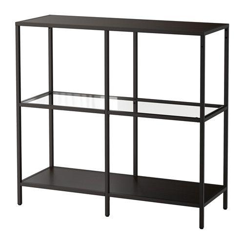 VITTSJÖ Hylla IKEA Härdat glas och metall är slitstarka material som ger en öppen, luftig känsla.