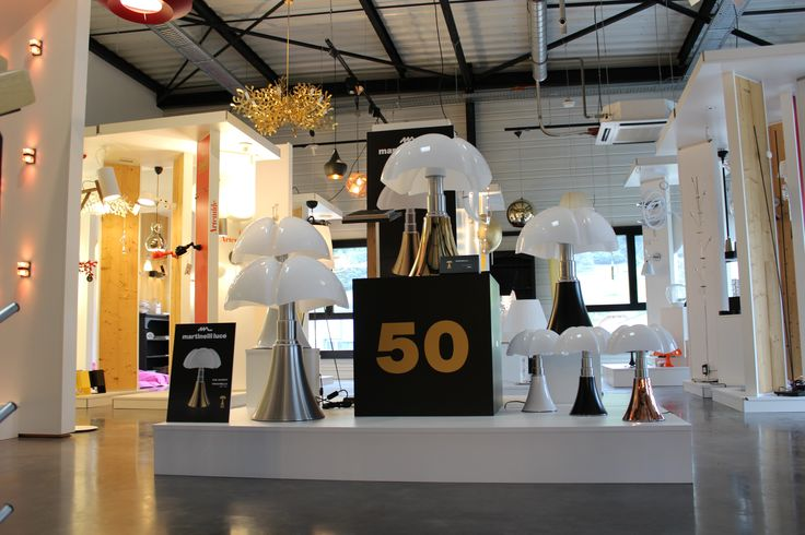 die besten 20 lampe pipistrello ideen auf pinterest pierre emmanuel france lampe und maison hand. Black Bedroom Furniture Sets. Home Design Ideas