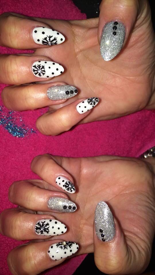 Nails at Elixir White www.elixirwhite.co.uk #ElixirWhiteSalon #nailsalon #nailart