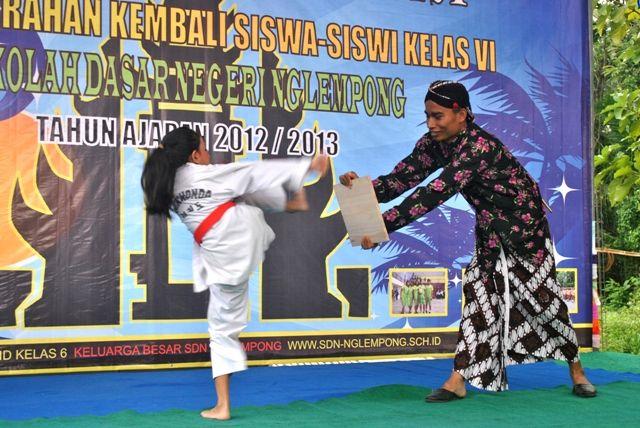 Taekwondo Aris Wijayanto with Lathisya