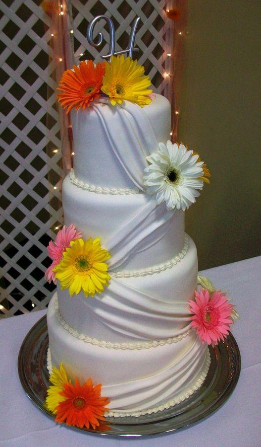 gerbra daisy cakes   Swag Gerbera Daisy Wedding Cake — Round Wedding Cakes