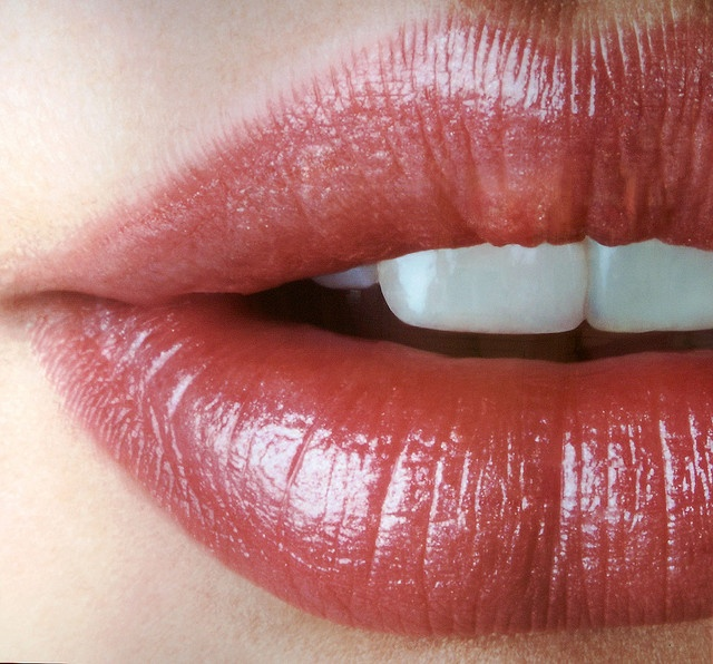SMART BUY: Get naturally beautiful and irresistibly kissable lips with Ecohip