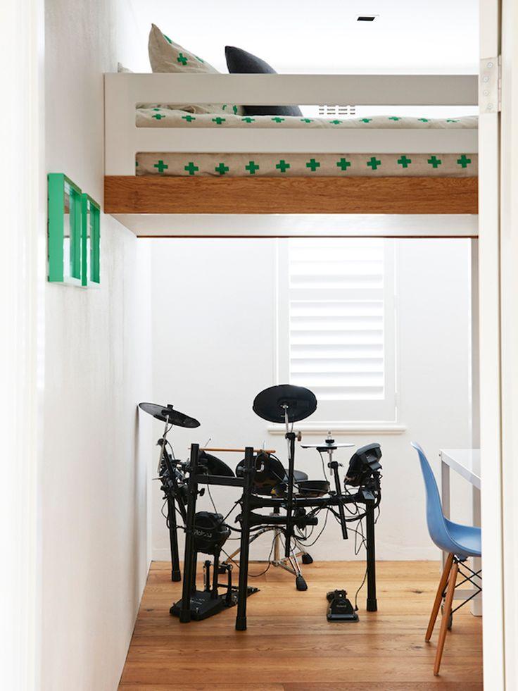 Arredamento essenziale e riorganizzazione degli spazi -   fotografia di Eve Wilson via The Design Files