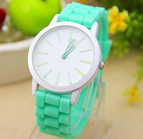 Reloj Mujer Silicona Colores Pulsera Malla Goma Redondos - $ 150,00