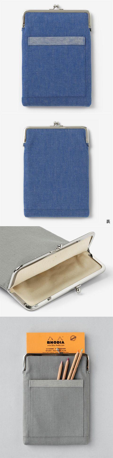 【がま口ケース(中川政七商店)】/明治期にヨーロッパより日本に伝わったがま口。 長年日本人に愛され和雑貨の代表となったがま口を、綿麻のカラーデニムを使用して現代のスタイルに合わせた形に仕上げました。 文房具やタブレットなどの収納におすすめの、A5サイズの用紙が収納できるサイズ。