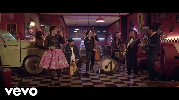 La Santa Cecilia - México Americano (En Vivo) ft. Rebel Cats - YouTube