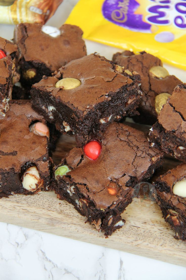 Perfectly Indulgent Chocolate Easter Brownies – Smartie Eggs, Mini Eggs, Milkybar Eggs, Golden Eggs and more in Gooey Chocolate Brownies. I knew with Easter coming...