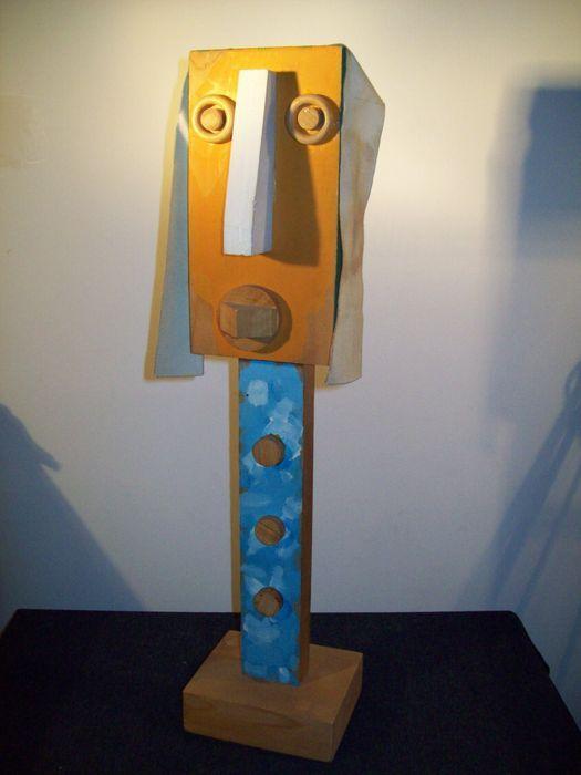 """Enrico Baj - Gli Scacchi  Mooi geschilderd houten totem beeldhouwkunst uit de serie """"Gli Scacchi di E. Baj"""" gemaakt door Enrico Baj.Limited edition nr. 3/30. Gesigneerd en genummerd onder de base. Edizioni Mastrogiacomo. Formaat 55 x 13 5 x 11 5 cm. uitstekende conditie. Met verificatie op foto.Mooi geschilderd houten totem beeldhouwkunst uit de serie """"Gli Scacchi di E. Baj"""" gemaakt door Enrico Baj. ' Limited edition nr. 3/30. Gesigneerd en genummerd onder de base. Edizioni Mastrogiacomo…"""