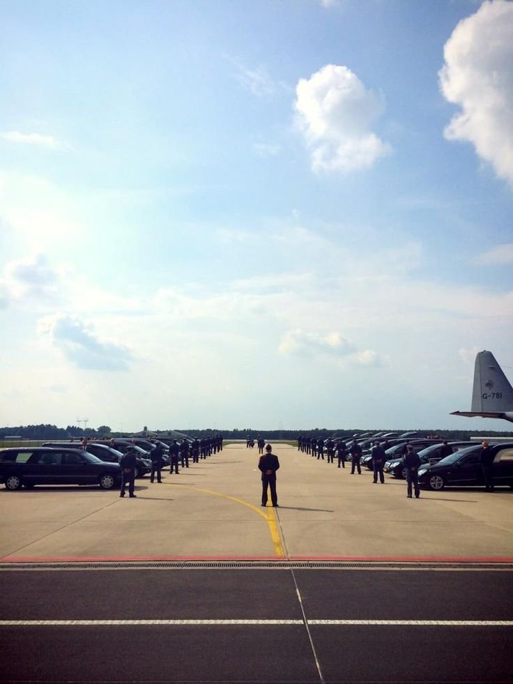 Moving afternoon when 38 more coffins arrived in Eindhoven. #MH17