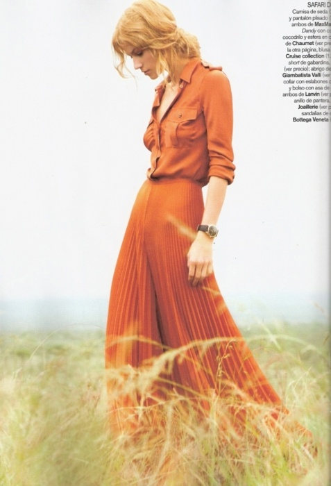 orangesOrange Pleated, Vogue Spain, Burnt Orange, Dresses, Clothing Outfit, Fashion Pl, Comfycozi Want Needs Fashion, Maxis Skirts, Lights Green