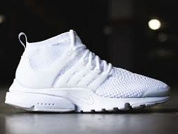 Nike Flyknit Zoom Brand new without tag Never worn Size US 6 UK 3.5 EUR 36.5