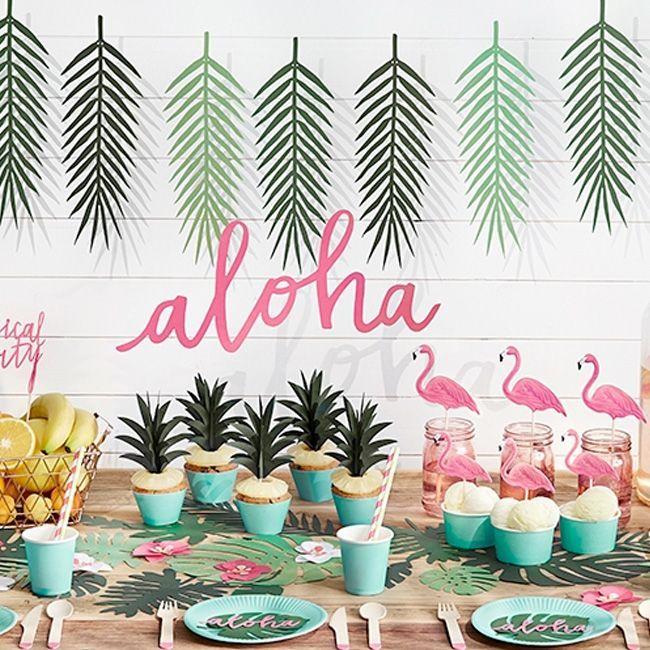 Der Trend für die Sommer-Party-Saison: eine  Girlande aus tropischen Blättern ! Wer die Girlande einer Fächerpalme möchte, musste sie bisher sehr aufwendig selber basteln. Aber mit diesen vorgestanzten Palmblättern sind die Zeiten...