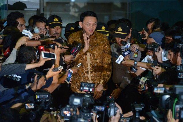 Basuki Tjahaja Purnama atau Ahok usai pemeriksaan di Gedung KPK, Jalan H.R. Rasuna Said, Jakarta S...