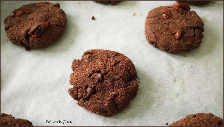 Biscotti Cookies Double Chocolate al Cocco e Burro di Arachidi: Apoteosi Peccaminosa! Gusto e Salute in sole 50 calorie. Resisterai a non spazzolarli tutti?