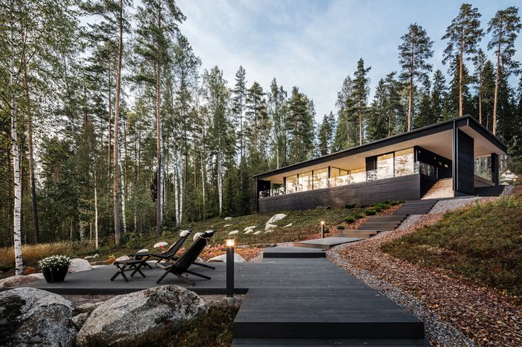 Private House in Finland.  Architect: Plusarchitects Ltd  Photography © Kuvatoimisto KUVIO Oy #lunawood #thermowood