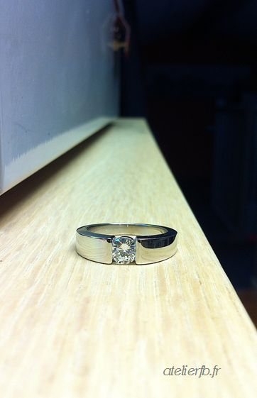 Solitaire moderne or blanc - diamant