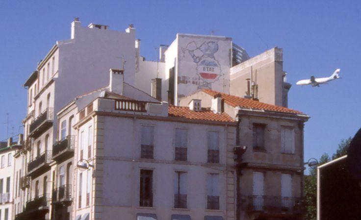 """Reclam mur pintat a Perpinyà. """"Vichy Celestins"""" Une santé de fer. de Savignac"""