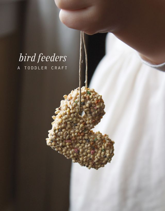 Bird Feeders | A Toddler Craft.