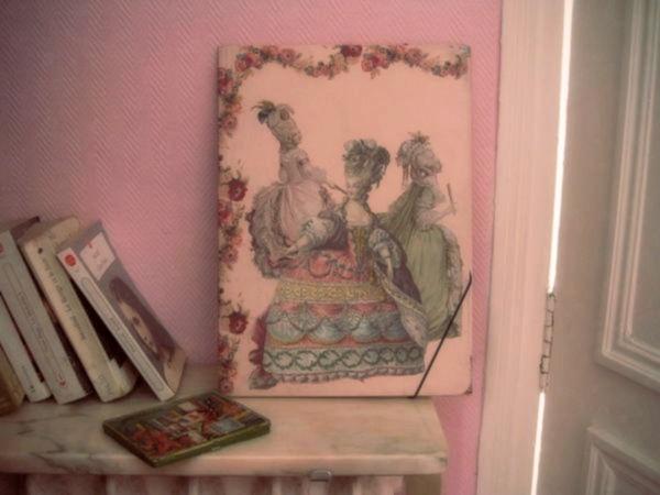 Chemise cartonnée, Marie-Antoinette.