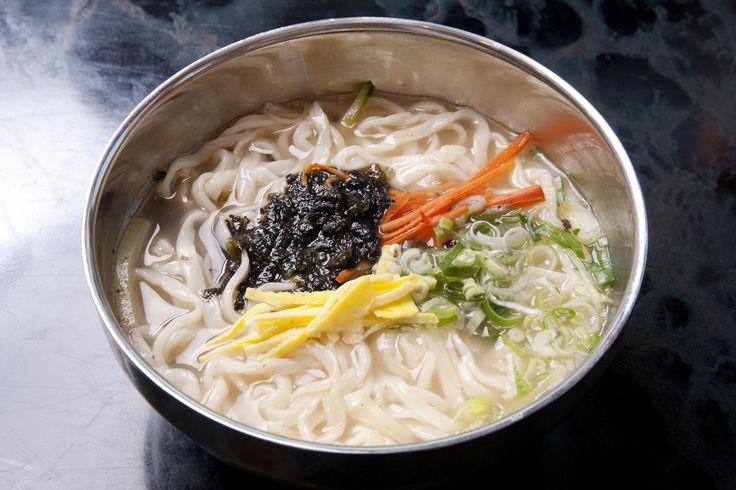 칼국수 (Kalgooksu) Korean Knife-Cut Noodles