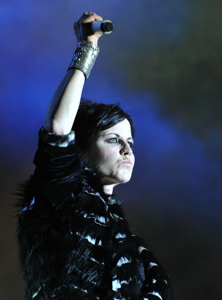 Dolores O'Riordan Photos - Irish singer Dolores O'Riordan of the Irish band The Cranberries performs on stage during the 23th edition of the Cognac Blues Passion festival in Cognac on July 07, 2016.  / AFP / GUILLAUME SOUVANT - Dolores O'Riordan Photos - 6 of 37