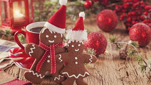 Φτιάχνουμε εύκολα και οικονομικά Χριστουγεννιάτικα Στολίδια από Μπισκότα με ζύμη Gingerbread!