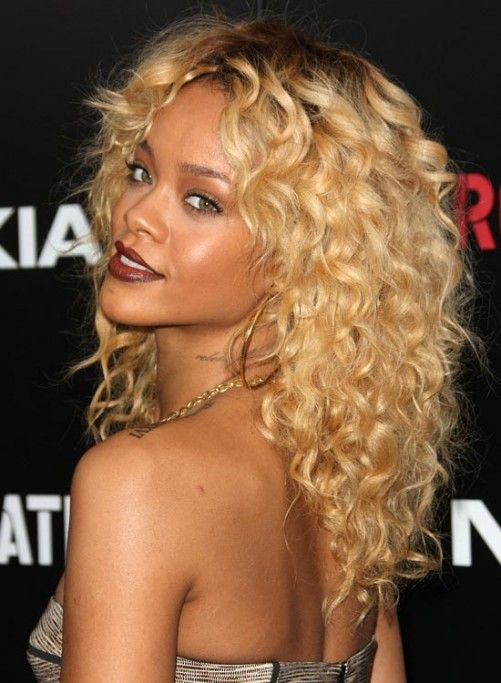 Layered Hairstyles For Curly Hair - Tight and Textured Layered Curls