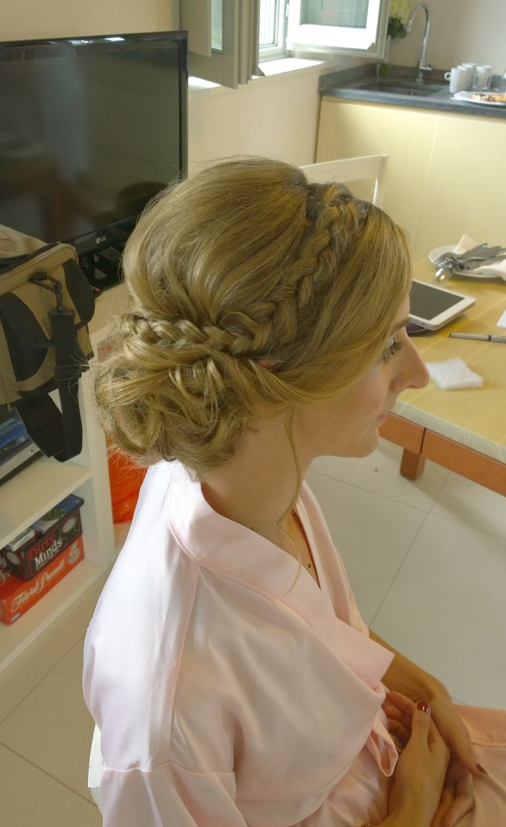 wedding hairstyle braided updo by Janita Helova Rome Italy www.janitahelova.com