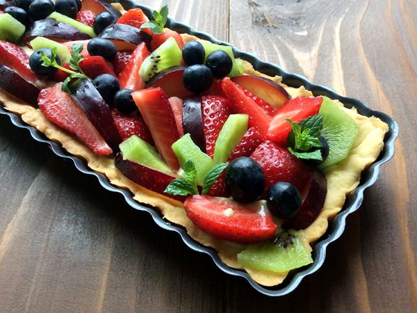 Summer fruit tart