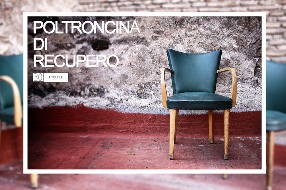 Sedia e Poltrona Vintage di 30Atelier su Etsy  Poltrona vintage con struttura in legno ed imbottitura in pelle verde Dimensione_ 45 cm x 46 cm x h 85 cm seduta h 40 cm