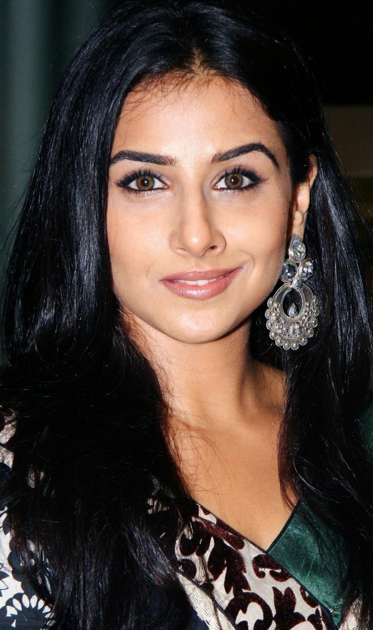 Vidya Balan in Amrapali earrings.