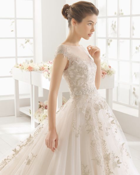 Beaded+lace+and+tulle+dress,+in+gold.+Beaded+lace+and+tulle+dress,+in+ecru.+Beaded+lace+and+tulle+dress,+in+white.+Lace+and+tulle+dress+with+extra+beading,+in+gold.+Lace+and+tulle+dress+with+extra+beading,+in+ecru.+Lace+and+tulle+dress+with+extra+beading,+in+white.