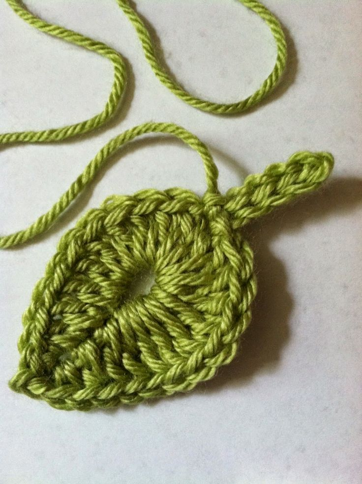 "Lakeview Cottage Kids: ""One Green Leaf"" - FREE Crochet Leaf Pattern."