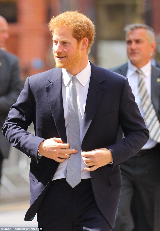 5-7-2017 prins harry The royal looked in great spirits as he arrived in Leeds to begin a two day visit...