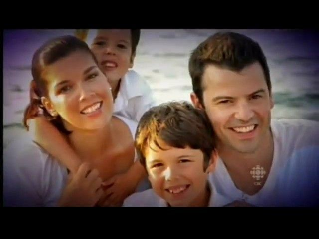 Jordan Knight and wife Evelyn with their 2 sons