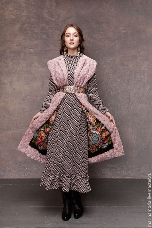 Maxi dress / На модели вы так же видите жилет `Царский! http://www.livemaster.ru/item/17473741-odezhda-zhilet-tsarskij-dvuhstoronnij