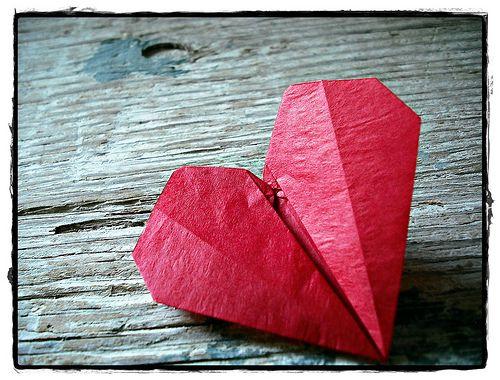 Origami heart: Crafts Diy'S, Valentine Day, Paper Heart, Andy Heart, Heart Things, Diy'S Crafts Holidays, Diy'S Origami, Heart Melted, Origami Heart