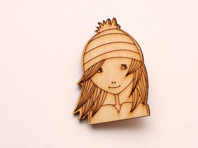 Wooden brooch: little girl £6.00