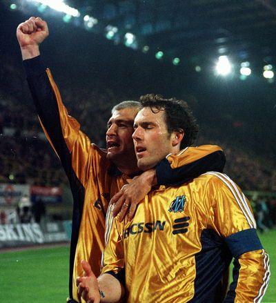Fabrizio Ravanelli, Olympique Marseille (1998–2000, 64 apps, 28 goals)