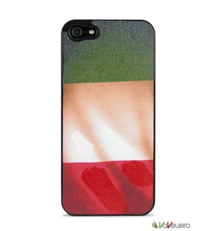 Cover custodia VaVeliero. La tua bandiera preferita, sul tuo iPhone 5! Finitura superficiale, unica nel suo genere, che riproduce la pittura ad olio su tela dando alla grafica un effetto tridimensionale.