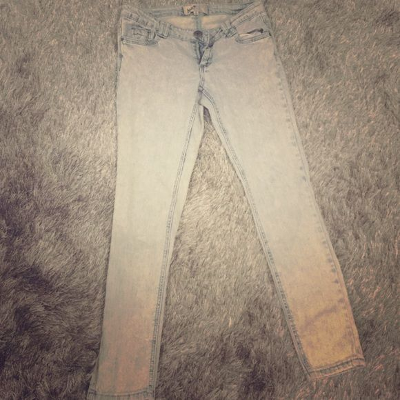 Light distressed jeans!!! Tight stretch distressed Jean in a super light Jean color. Jeans Skinny