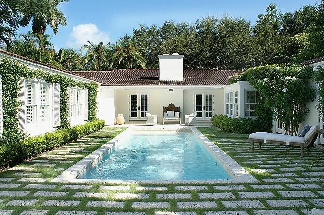 Grass and pavers 1940 39 s miami beach home outdoor for Pool design miami