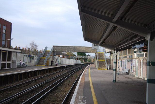 Crawley Railway Station (CRW) in Crawley, West Sussex
