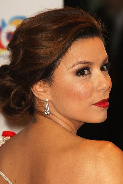 Eva Longoria Eva Longoria Parker attends the Noble Gift Gala at The Dorchester on March 13, 2010 in London, England.