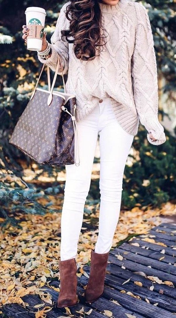 #fall #style Cream Sweater // Tote // White Skinny Jeans // Suede Ankle Boots